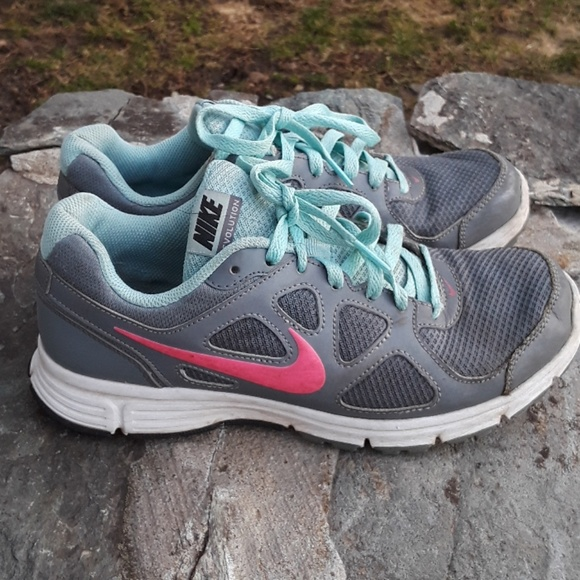 0c0369a51c37 Nike Revolution cool grey mint pink running shoe. M 5a95d9318df470cee64c1011
